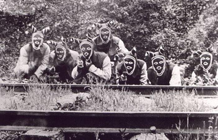 Болд нобберс - кадр из фильма 1919 года