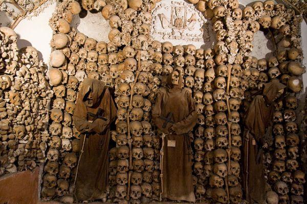 Города мёртвых: зловещие склепы