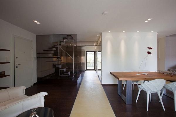 На первом этаже в единое пространствол, объединив все жилые зоны