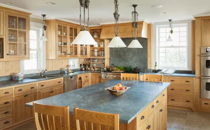 Кухня  с рабочими поверхностями из стеатита