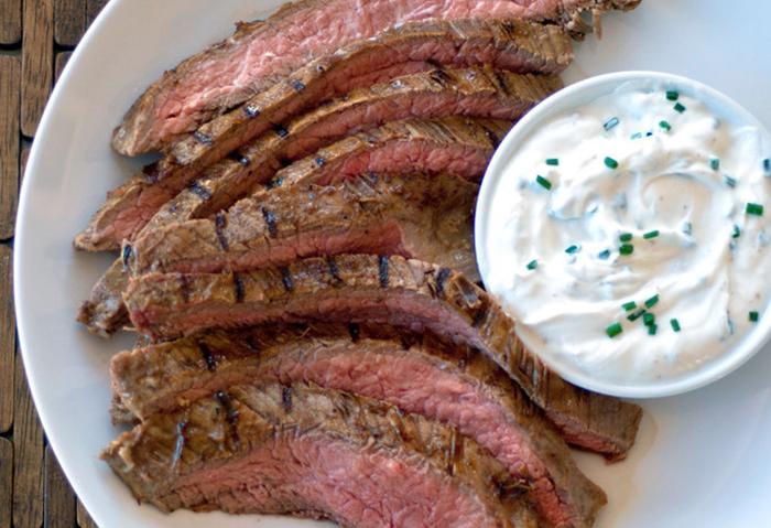 Маринуем мясо в натуральном йогурте