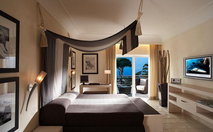 Современная спальня с элементами средиземноморского стиля