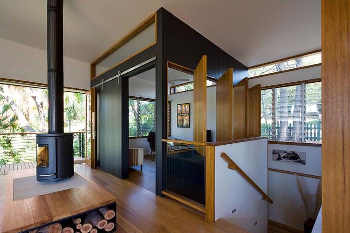 Зона для просмотра телевизора от Matt Elkan Architect