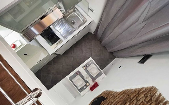 Крошечная квартира в центре Рима - и на 7 квадратных метрах возможно семейное счастье