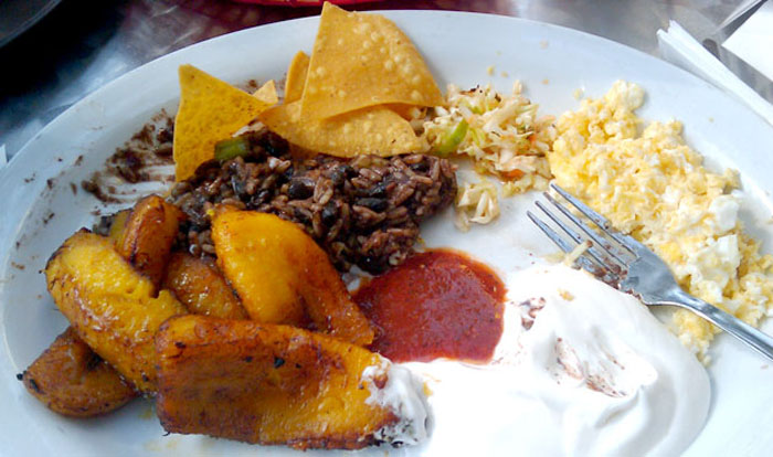 Сальвадорский завтрак