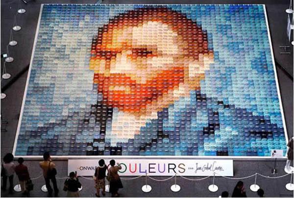 Портрет Ван Гога из 2070 футболок