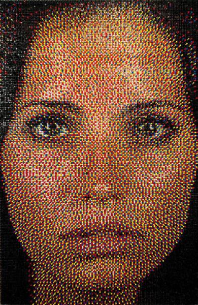 Мозаика из канцелярских кнопок