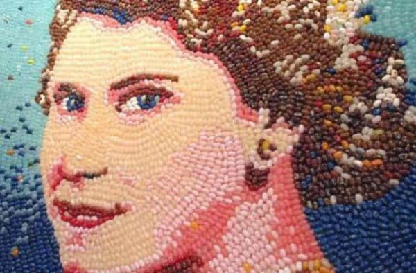 Портрет королевы из желейных конфет Jelly Belly