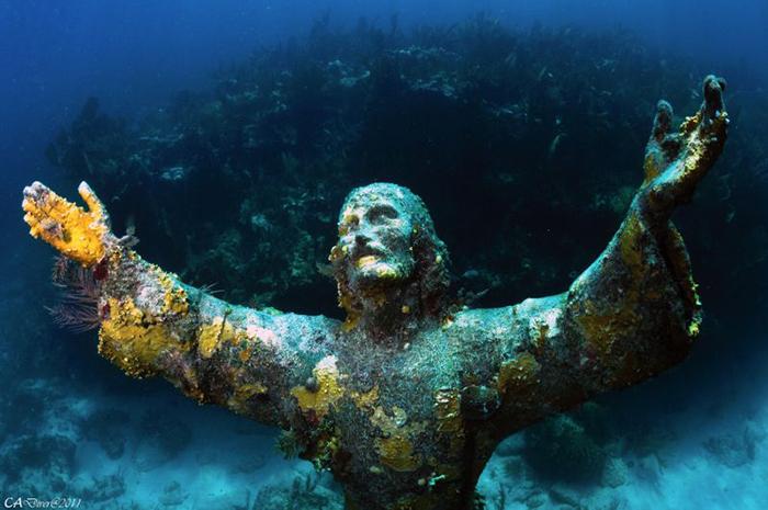 Иисус Христос Абиссаля, Италия
