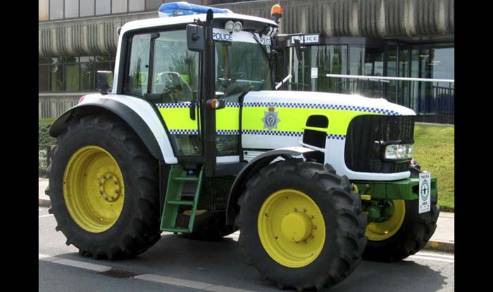 John Deere 6630 полицейский трактор