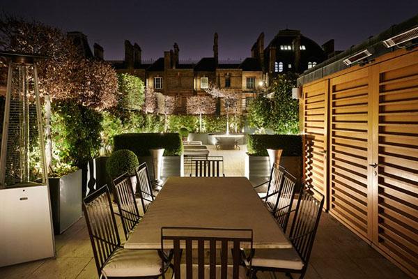 Романтичная столовая на террасе