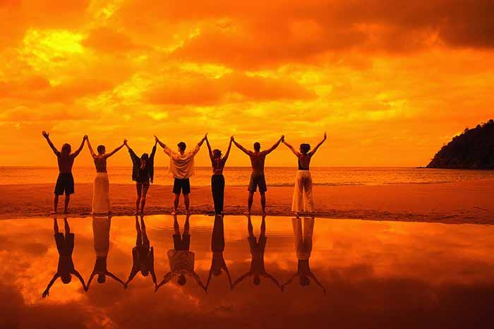 10 самых жутких культов с псевдоутопическими идеями