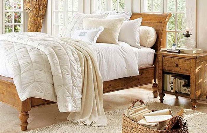 Интерьер спальни в рустикальном стиле