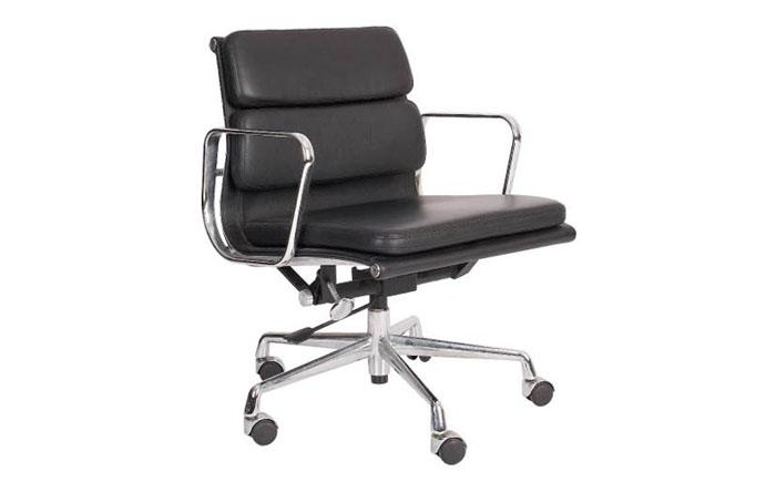Мягкое директорское кресло