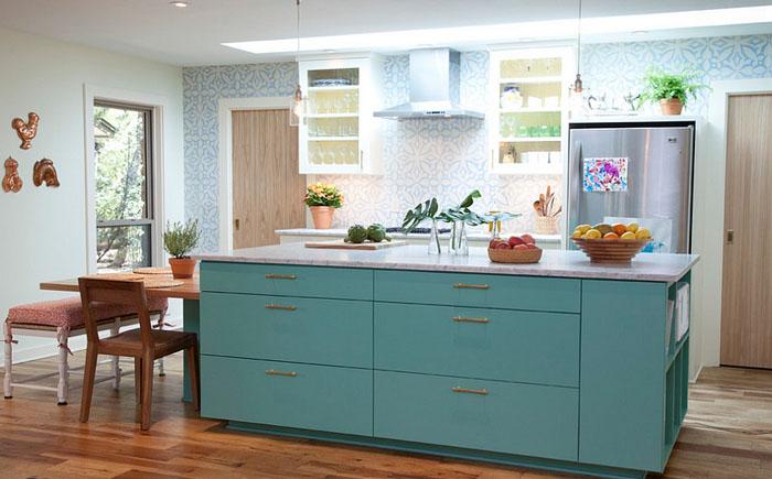 Кухня в средиземноморском стиле от Tenney Construction