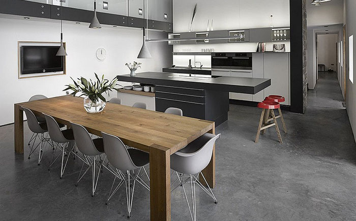 Кухня и столовая при открытой планировке