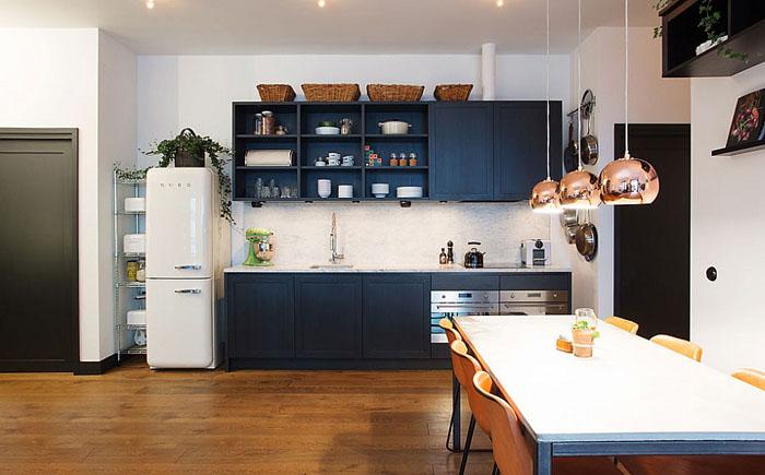 Просторная кухня  при открытой пларировке