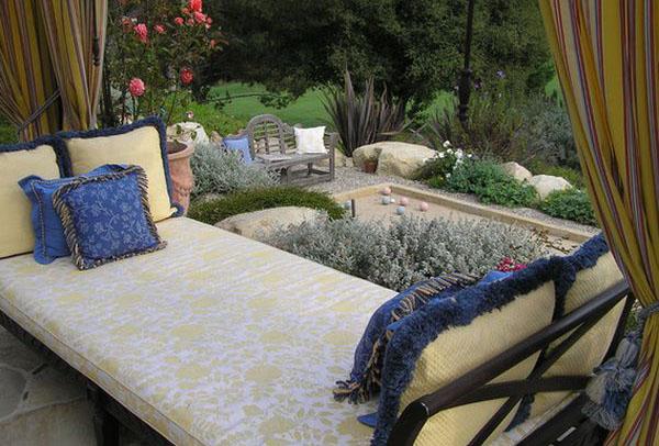 Отдыхаем на свежем воздухе: лежаки в саду