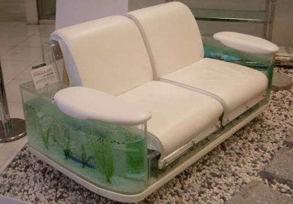 Аквариум можно встроить даже в диван