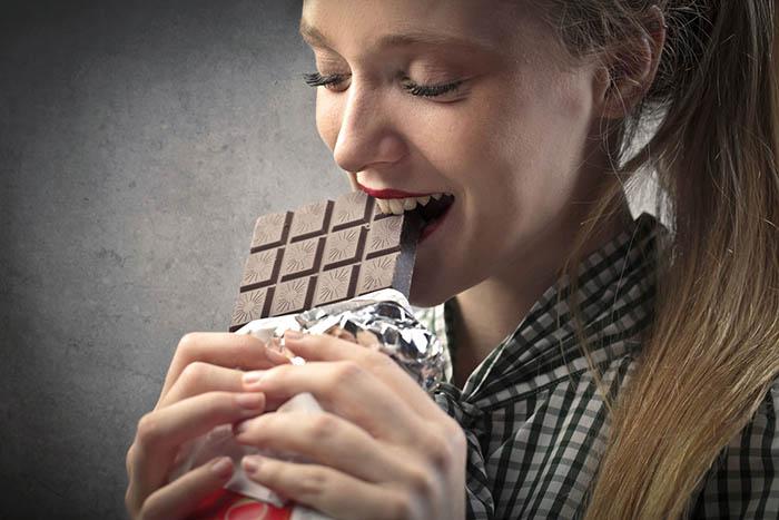 10 уважительных  причин, по которым можно смело слопать шоколадку