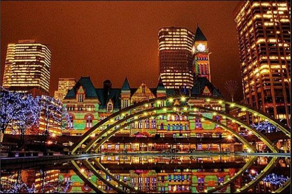 Рождественские огни в Торонто