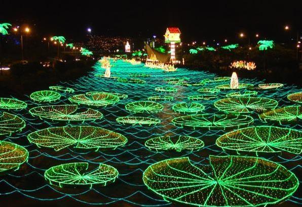 Рождественские огни в Медельине