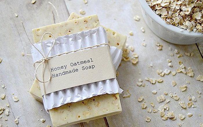 Мыло из овсяных хлопьев с добавлением меда