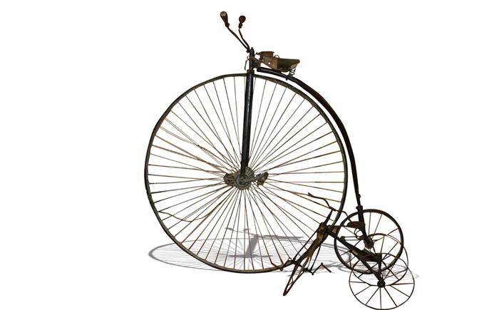 Велосипед с огромным передним колесом