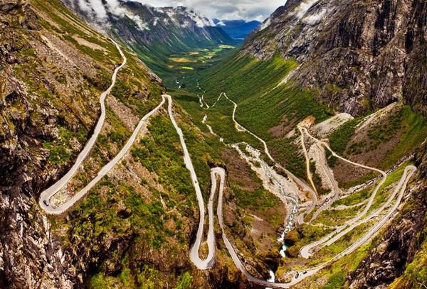 http://www.novate.ru/files/u31123/dangerous-roads-3.jpg