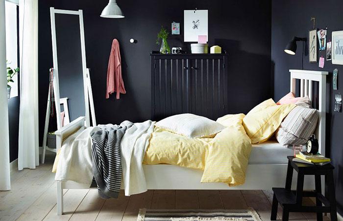 Контрастный интерьер с кроватью NYPONROS