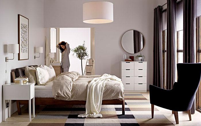 Современная уютная спальня