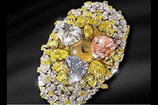 Часы с бриллиантами от Chopard