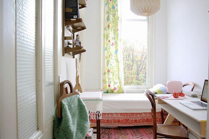Интерьер спальни-офиса в скандинавском стиле от  Holly Marder