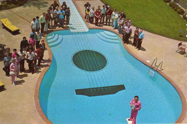 Бассейн в виде гитары (Теннеси, США)