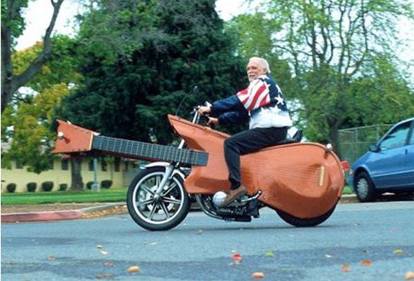 Мотоцикл в виде гитары (США)