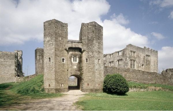Замок Берри Померой, Англия