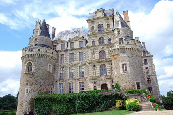 Замок Бриссак, Франция