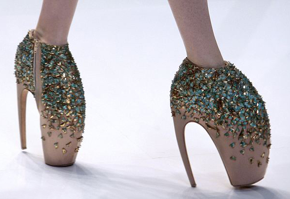 10 самых высоких каблуков в мире