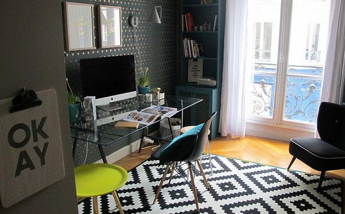 Чёрно-белый ковёр в интерьере домашнего офиса от Raphaëlle Levet Home Stylist