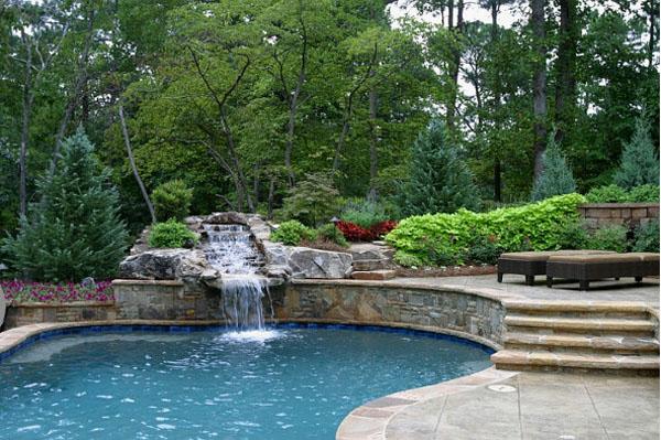 Водопад в бассейне от Artistic Landscapes