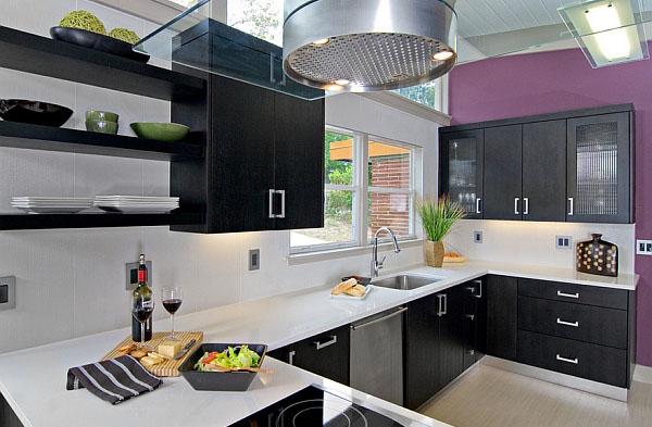 Сияющая орхидея в интерьере кухни от In Detail Interiors