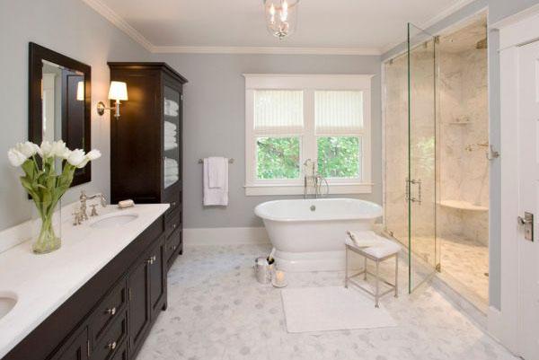 Серый в интерьере ванной от Clawson Architects