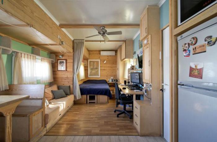 Экологичный домик из бывшего грузовика