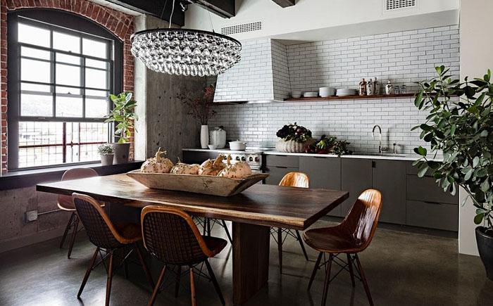 Столовая и кухня в индустриальном стиле