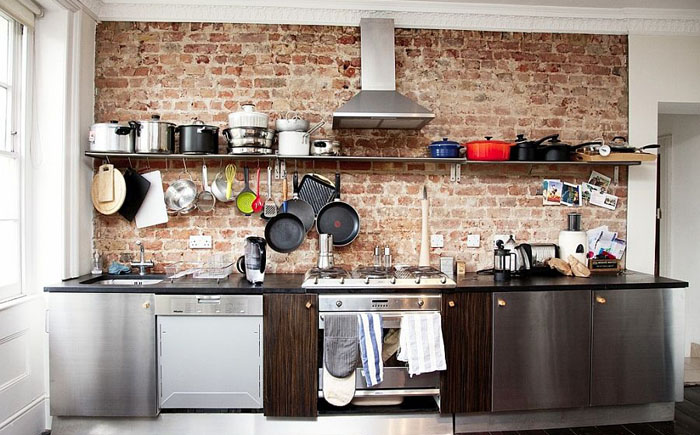 Интерьер небольшой кухни в индустриальном стиле