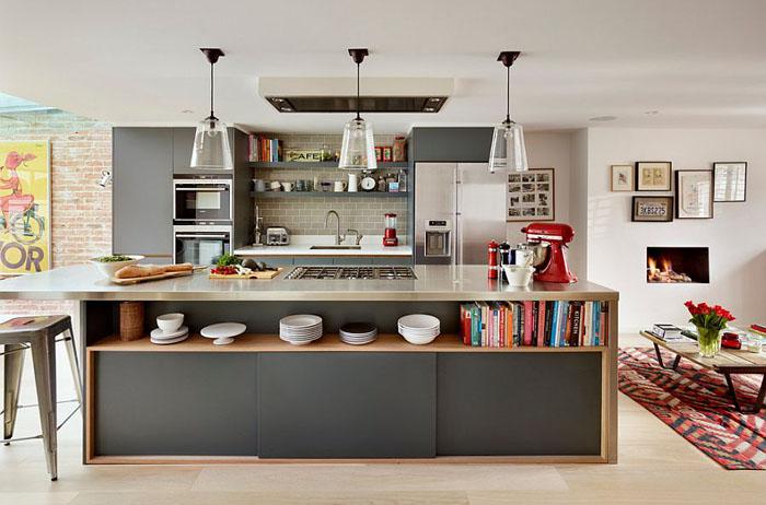 Кухонный остров в серых тонах