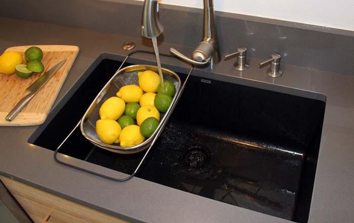 Недорогой интерьер кухни