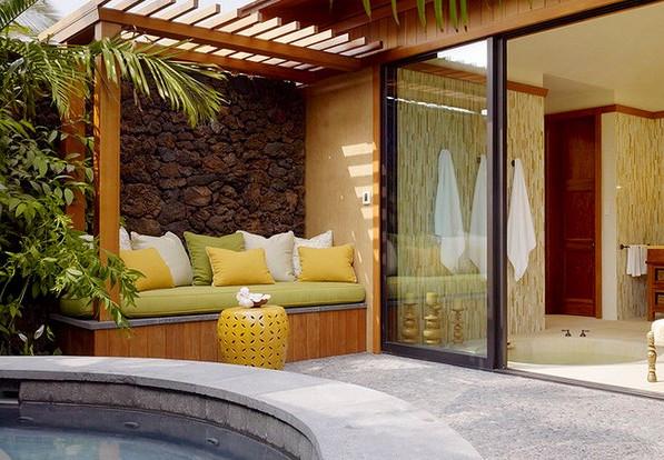 Идеальное место для зоны отдыха у бассейна