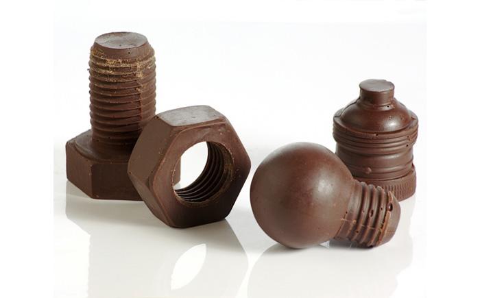 Шоколадные болты, шурупы, гайки