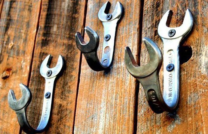 Крючки из гаечных ключей